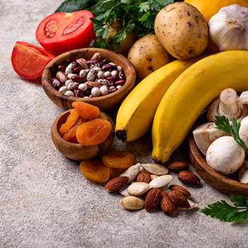 تغذیه سالم برای وزن گیری مناسب مادر و رشد جنین